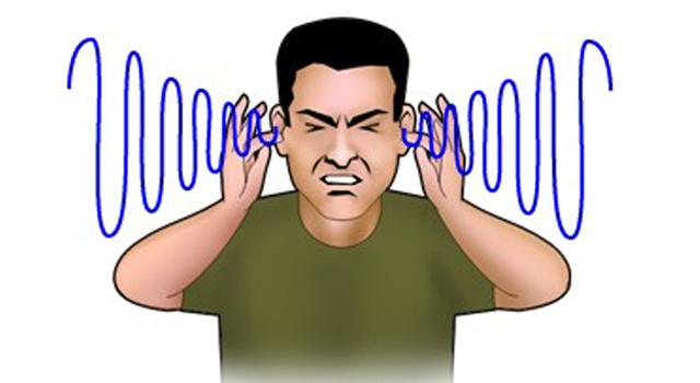 Apa penyebab telinga berdengung seperti kemasukan ari
